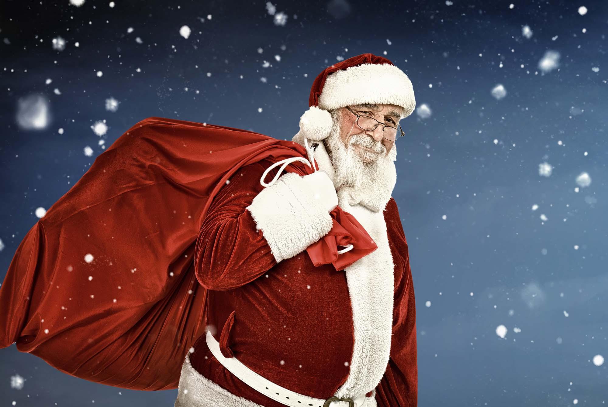 Spot Santa In Blue Island
