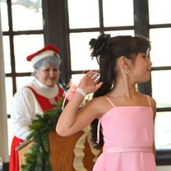 Mrs Clause FAshion Show Thumbnail_01